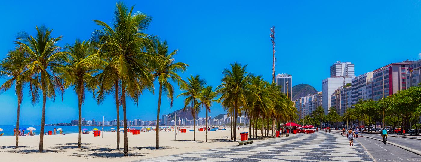 mar e praia de copacabana