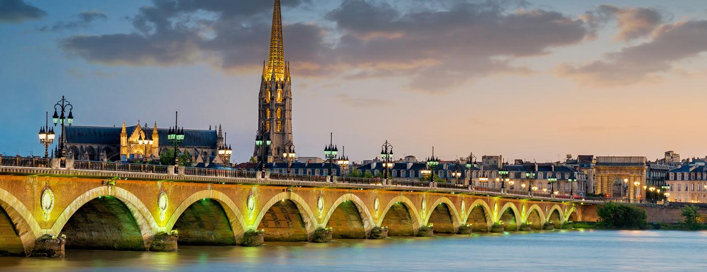 Durchatmen am Wasser mit einem günstigen Hotel in Bordeaux Bacalan