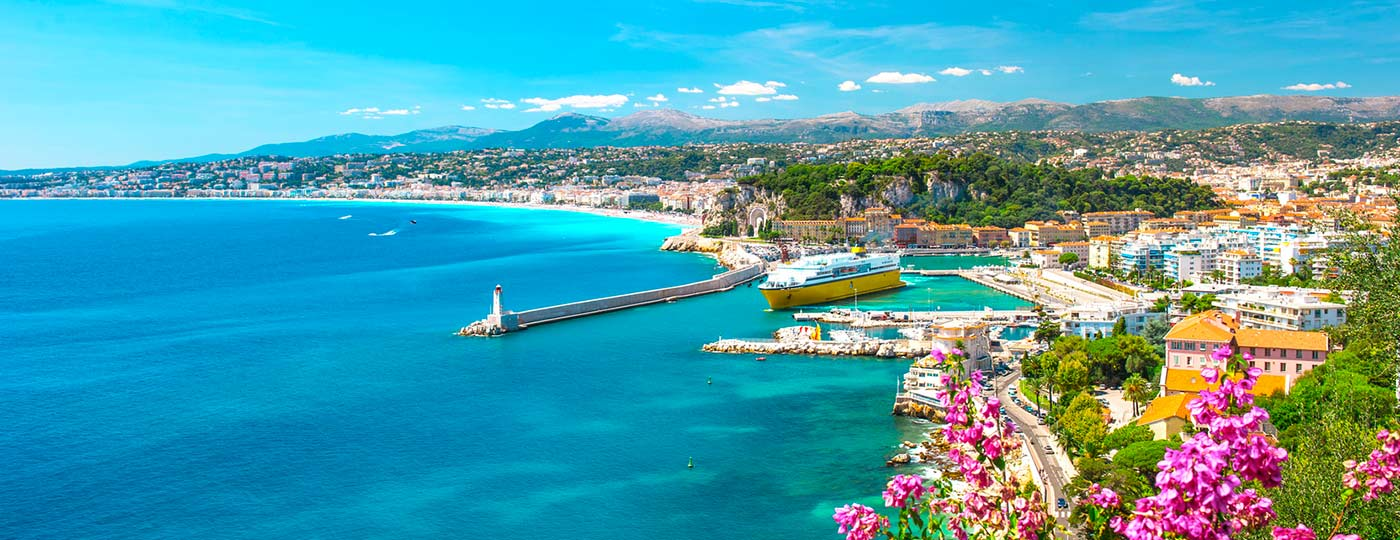 Low cost hotel in the Old Town of Nice: a stroll though the Old Town - ibis.com