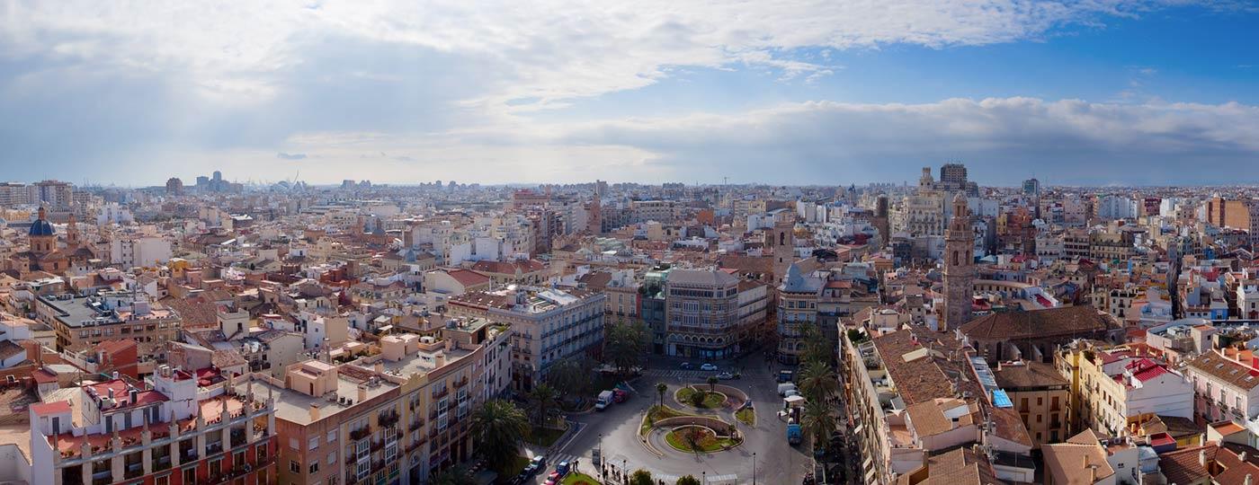 Plaza de la Reina, una de las plazas más concurridas de Valencia