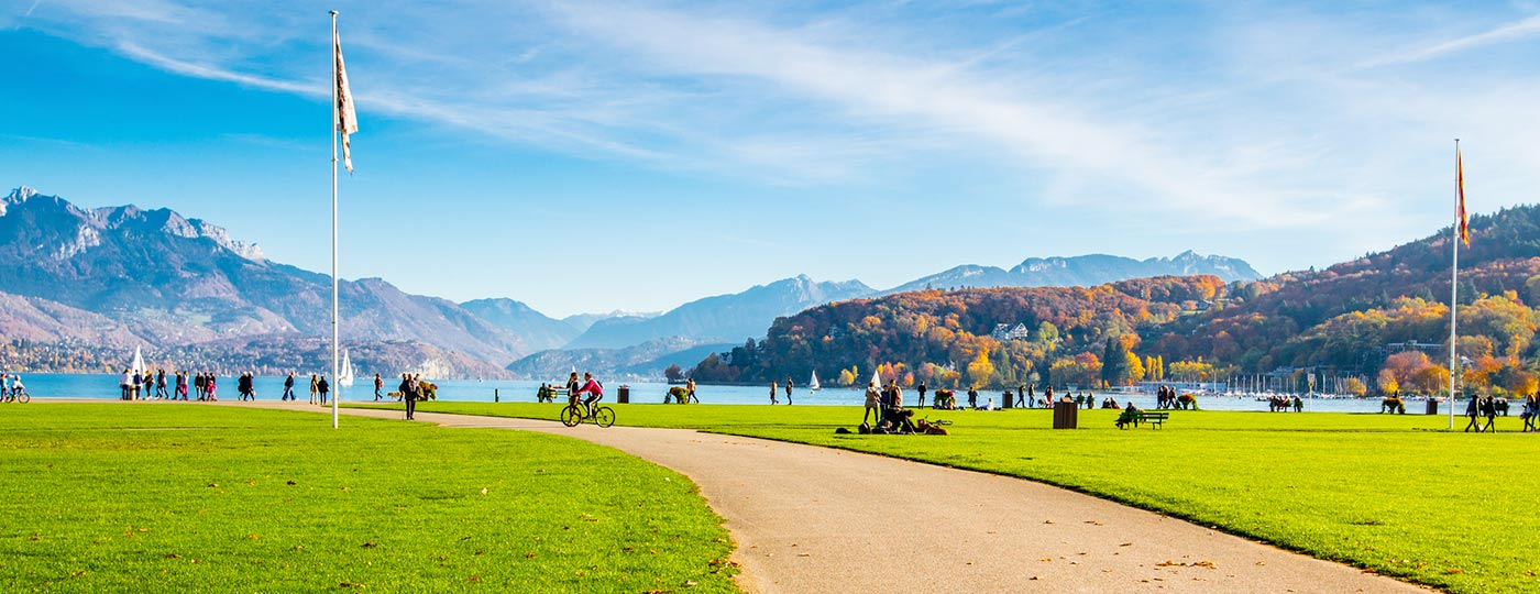 Opt for a cheap weekend in Annecy and a well-deserved break!