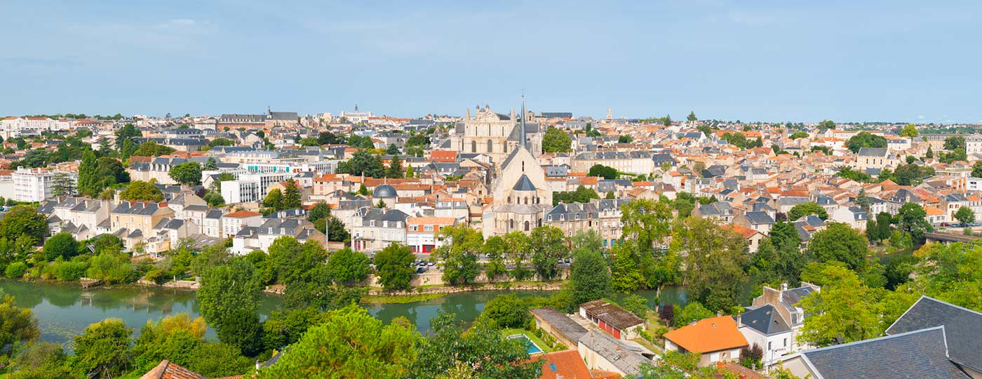 A cheap hotel in Poitiers: discovering the town's heritage