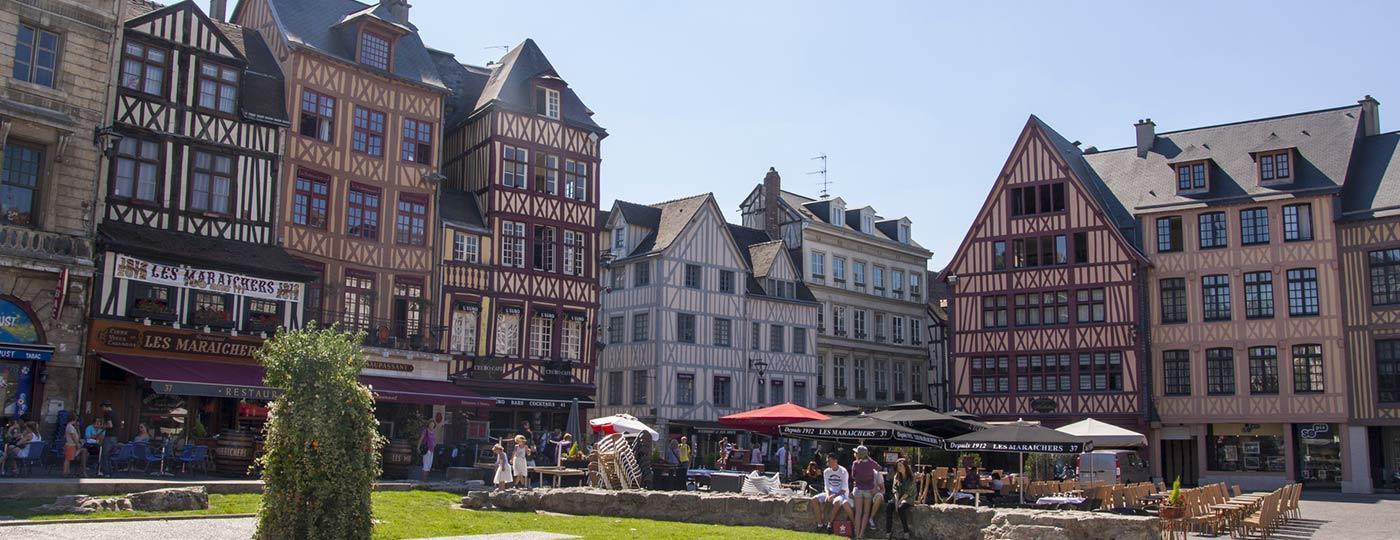 Nehmen Sie sich Zeit das Leben bei einem günstigen Wochenende in Rouen zu genießen