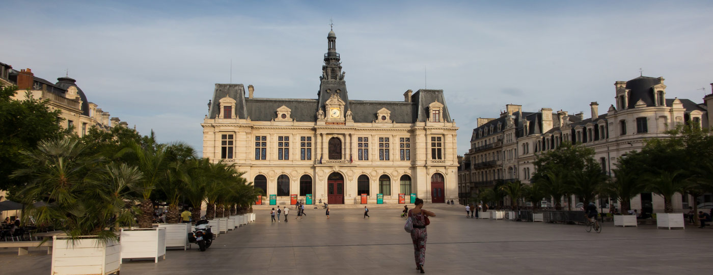 Stand out in style with meetings in Poitiers