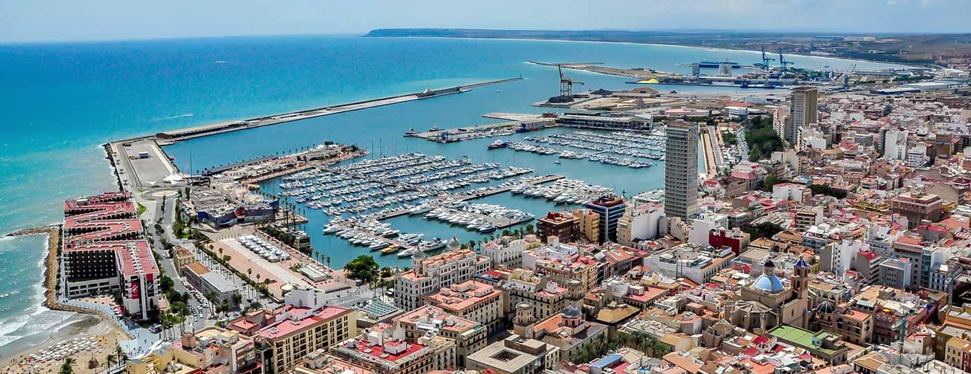 Vistas del puerto de Alicante desde tu hotel ibis