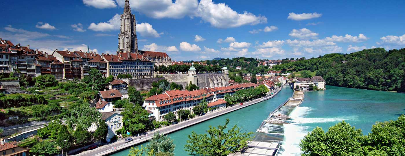 Entdecken Sie Bern, die wunderschöne und friedliche mittelalterliche Stadt am See