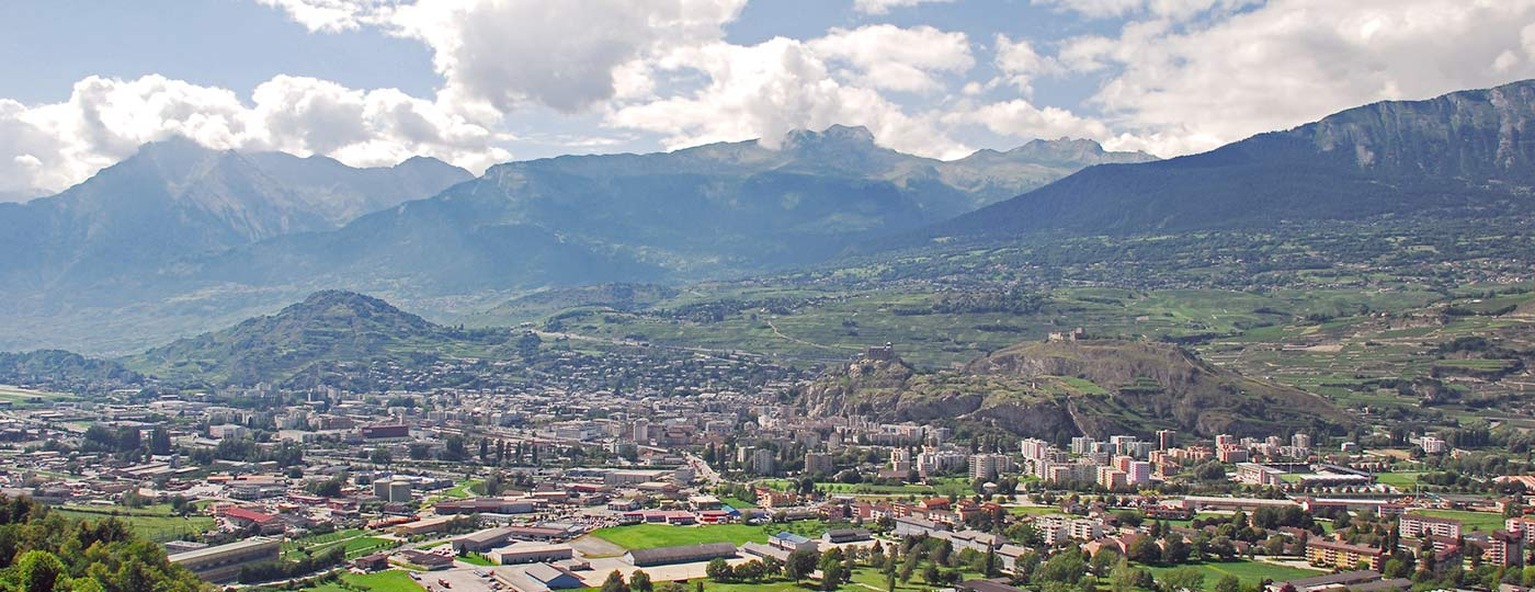 Sion: magical scenery and vibrant cultural life in the canton of Valais