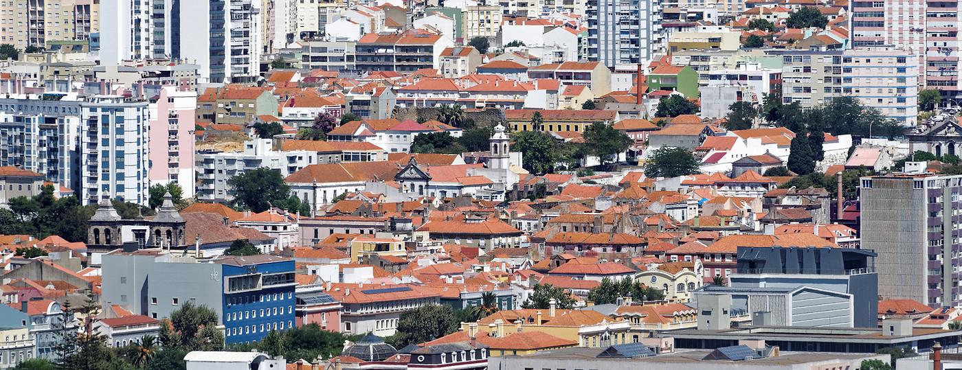 Cidade Setúbal - cheia de prédios