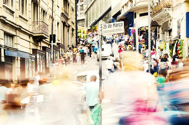0c5105263061 Preparamos um guia de compras na famosa Rua 25 de Março, com as principais  lojas da região e dicas de como ...