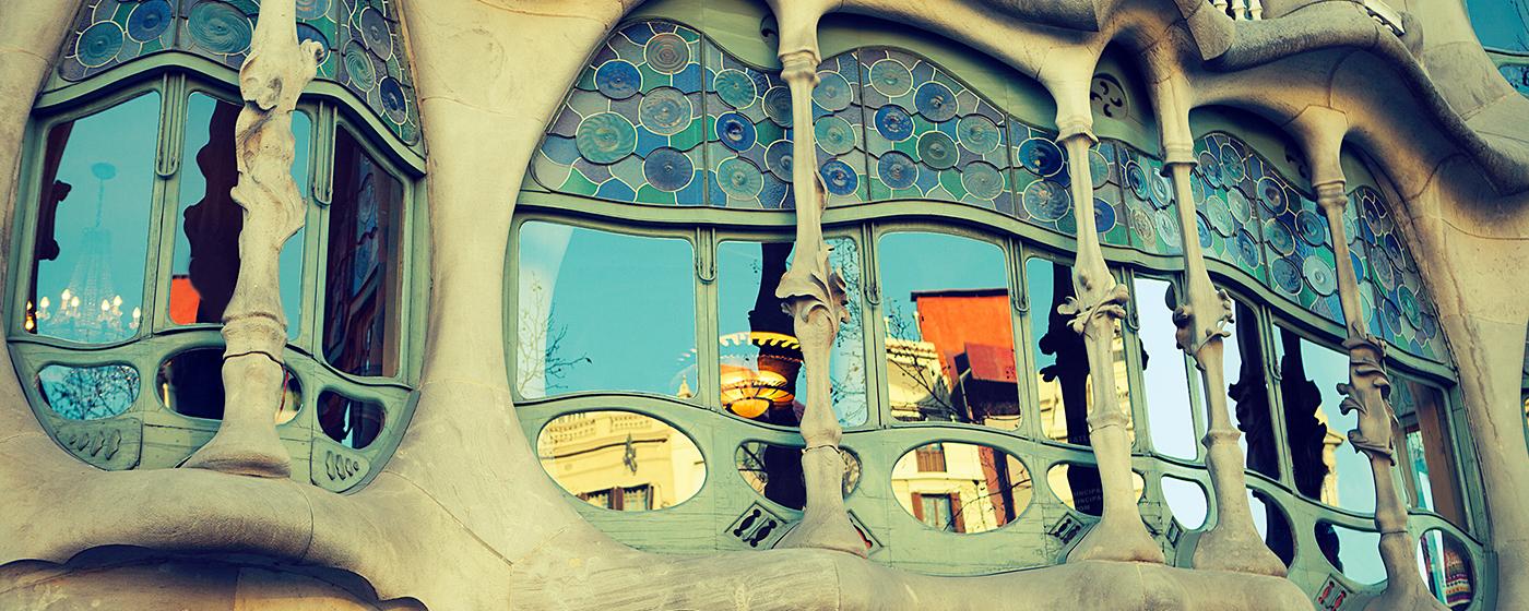 Edificio la Pedrera en el centro de Barcelona, cerca de tu hotel barato ibis