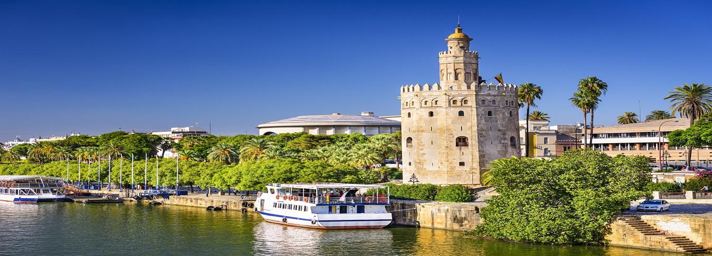 Vistas de la Torre del Oro y del Guadalquivir de Sevilla