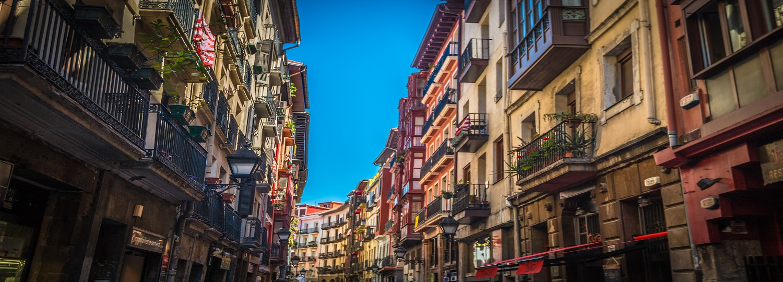 Una de las calles de Bilbao en las que podrás disfrutar de los pintxos