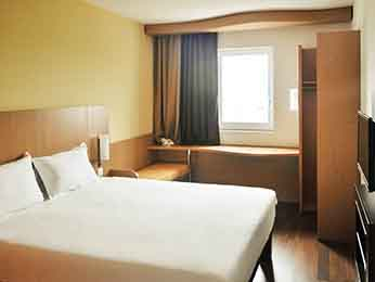Ibis sofia airport hotel book your budget hotel in sofia for Chambre airport